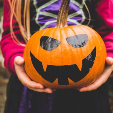 How to Keep the Kiddos Safe this Halloween